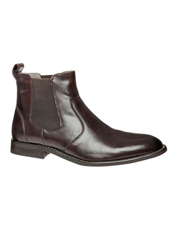 d706c990f Julius MarlowHarry Boot
