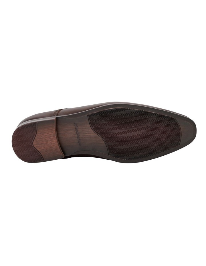 Jaunt Dress Shoe image 4