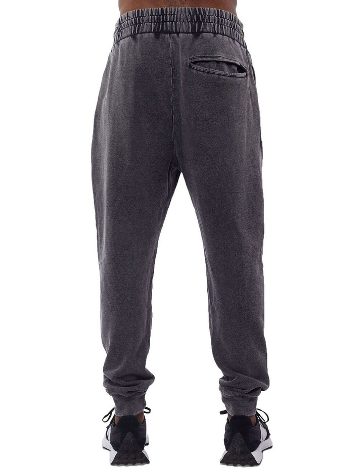 Essential Trackpant image 3