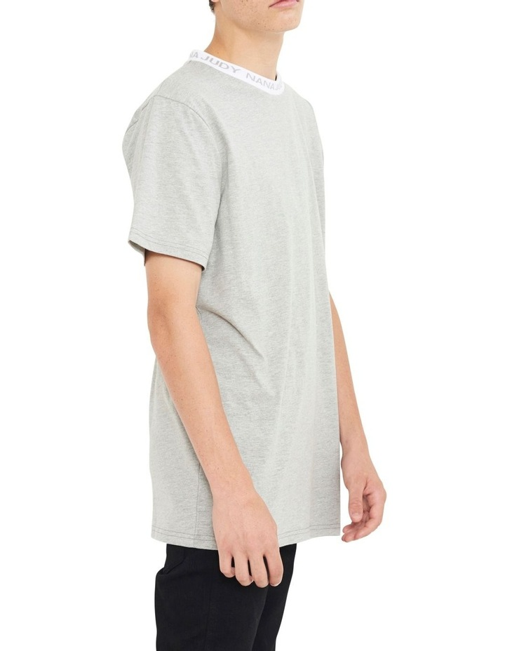 Avenue T-Shirt With Woven Branded Neck-line image 3