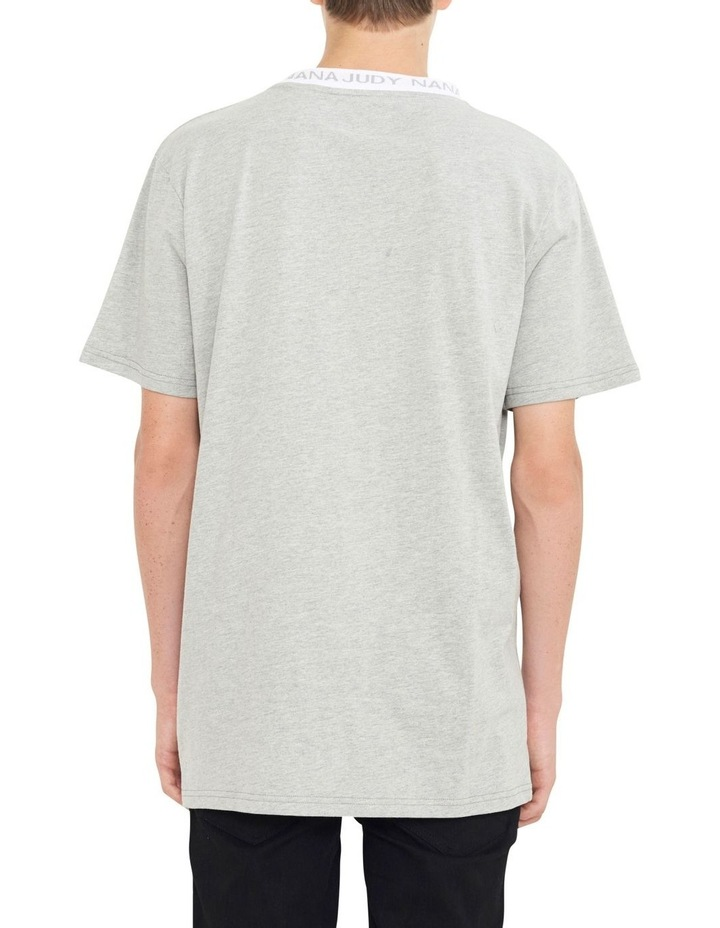 Avenue T-Shirt With Woven Branded Neck-line image 4
