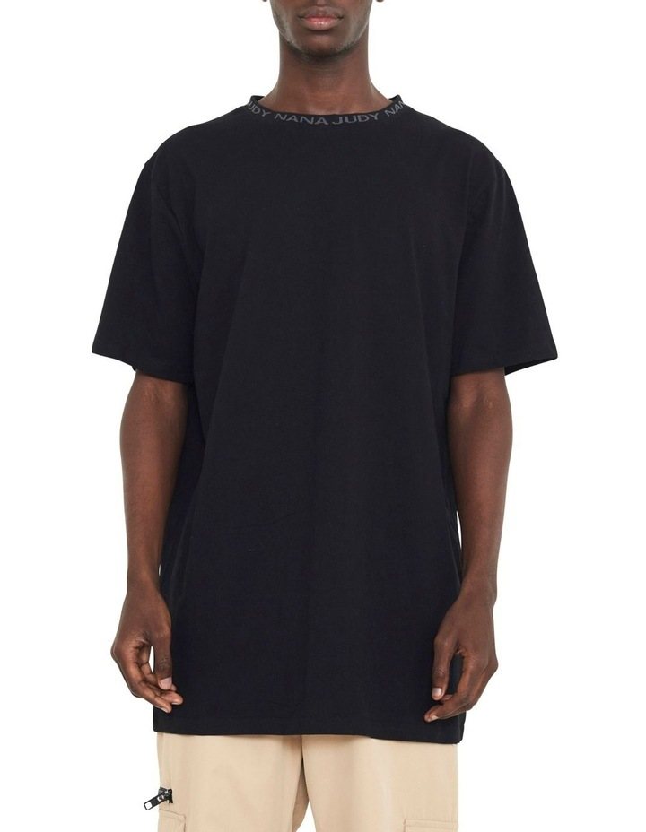 Avenue T-Shirt With Woven Branded Neck-line image 1
