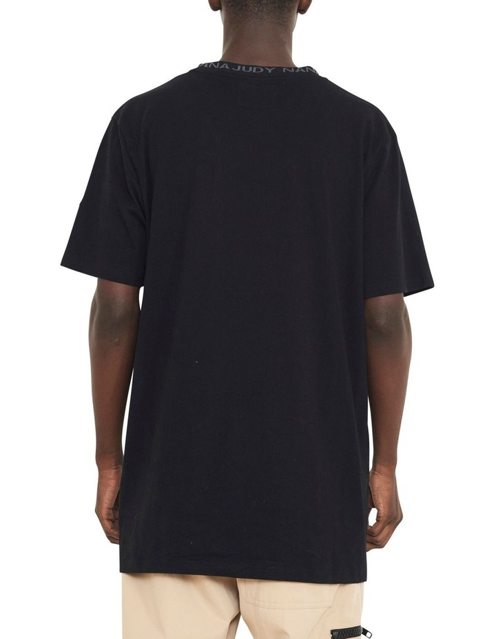 Avenue T-Shirt With Woven Branded Neck-line image 5