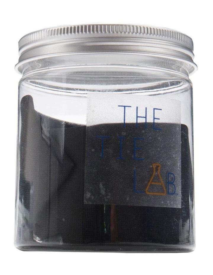 Tie in Jar image 1