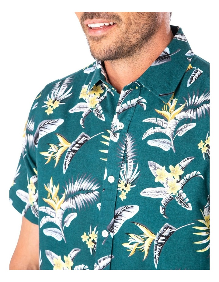 Casual Feather Weight Floral Short Sleeve Shirt image 3