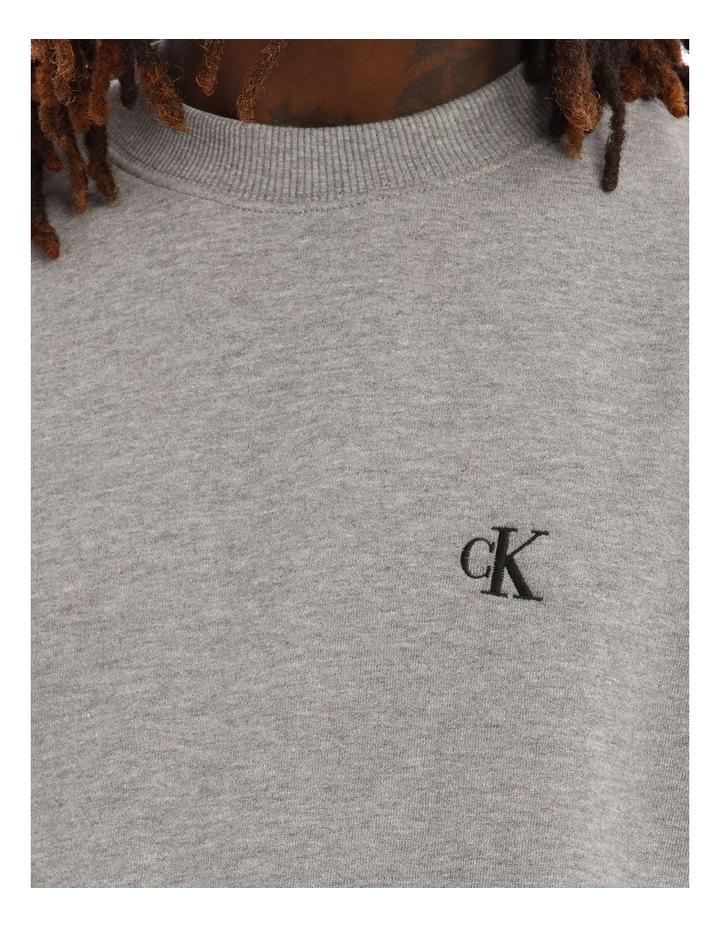 Essential Reg Sweatshirt image 4