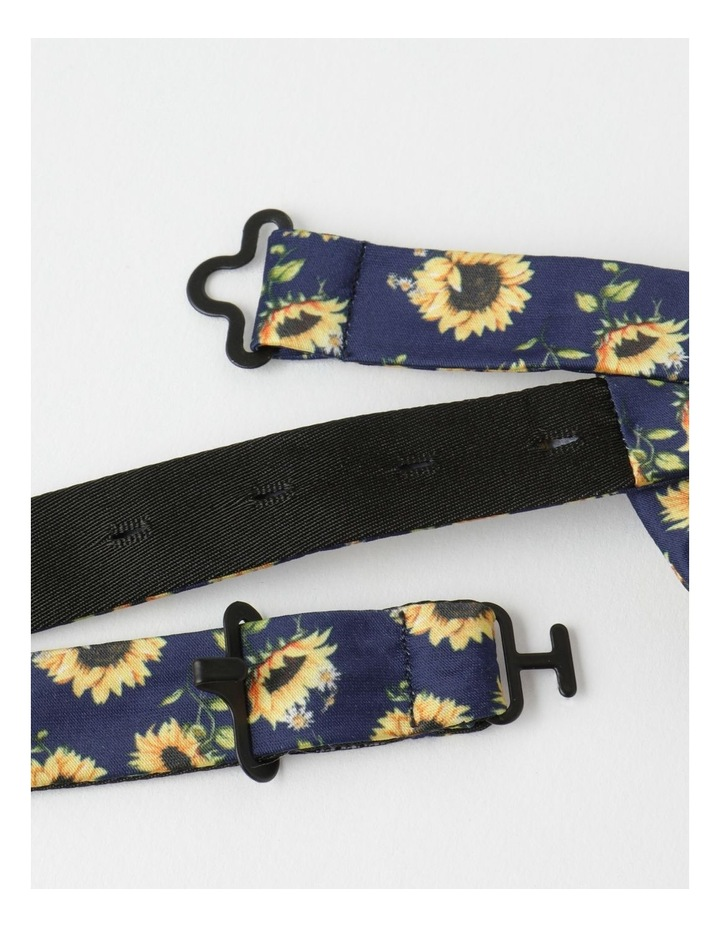 Sundaze Print Bow Tie And Pin image 3