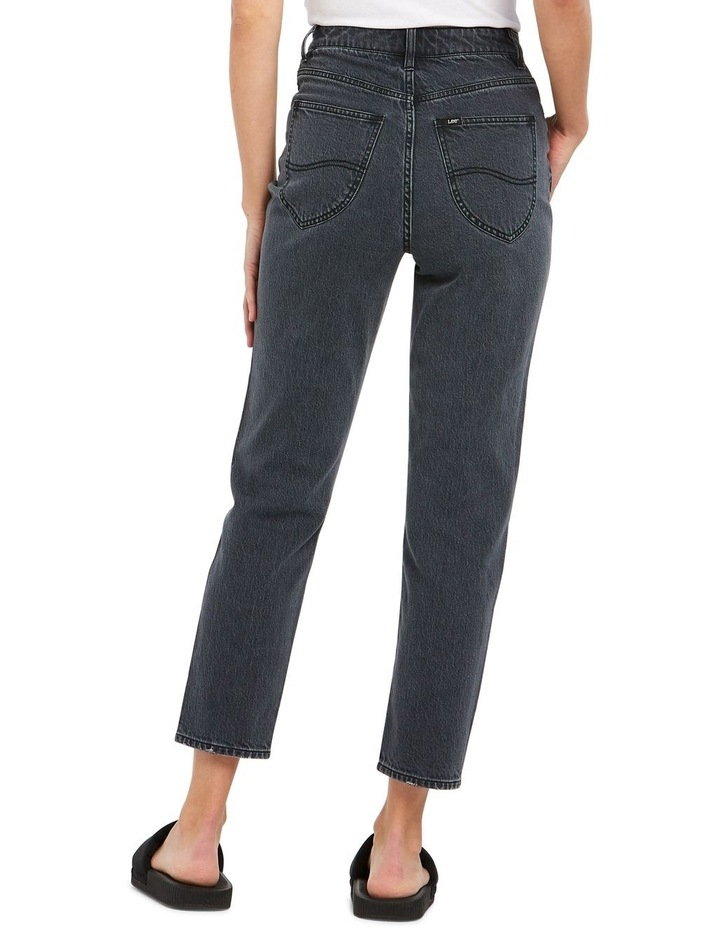 High Moms Jeans image 2