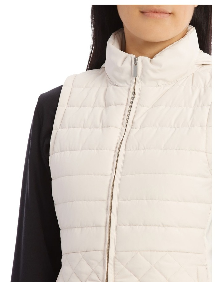 Quilted Rib Side Vest With Hood image 4
