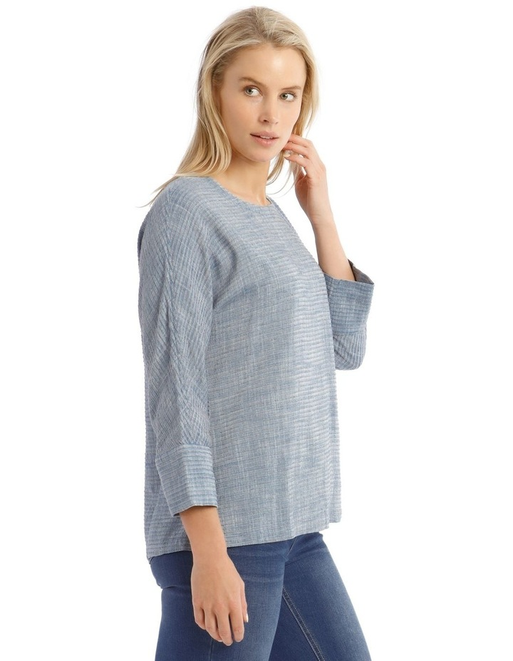 Textured Extended Sleeve Top With Step Hem image 2