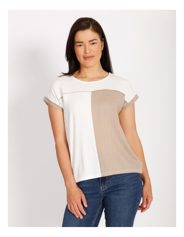 Etched Short Sleeve Colourblocked Tee With Hilo Hem With Back Split image 1