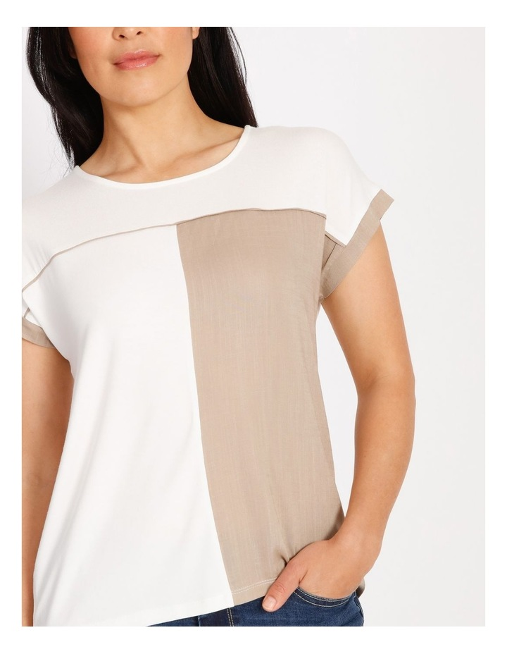 Etched Short Sleeve Colourblocked Tee With Hilo Hem With Back Split image 4