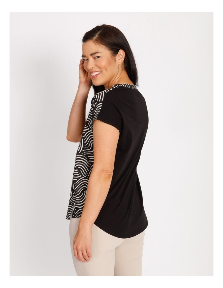 Etched Short Sleeve Woven Front Knit Back V Neck Tee With Pleat & HiLo Hem image 3