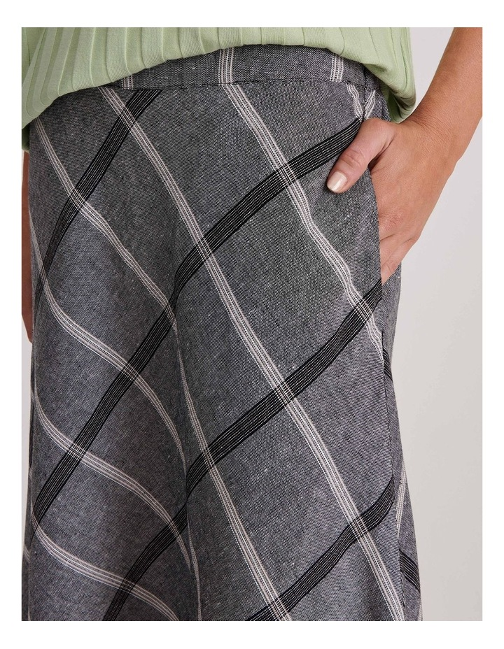 Flared Skirt With Back Elastic And Pockets image 5