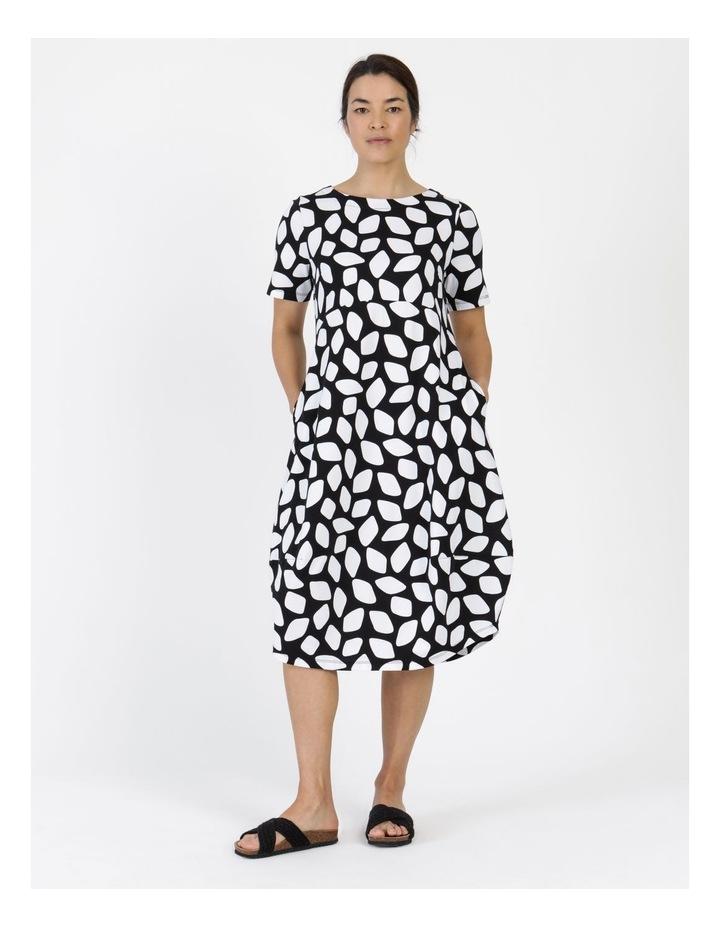 Short Sleeve  Curved Bodice And Dart Hem Dress Black & White Abstract image 2
