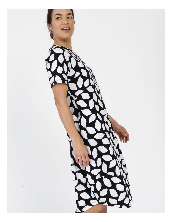 Short Sleeve  Curved Bodice And Dart Hem Dress Black & White Abstract image 3