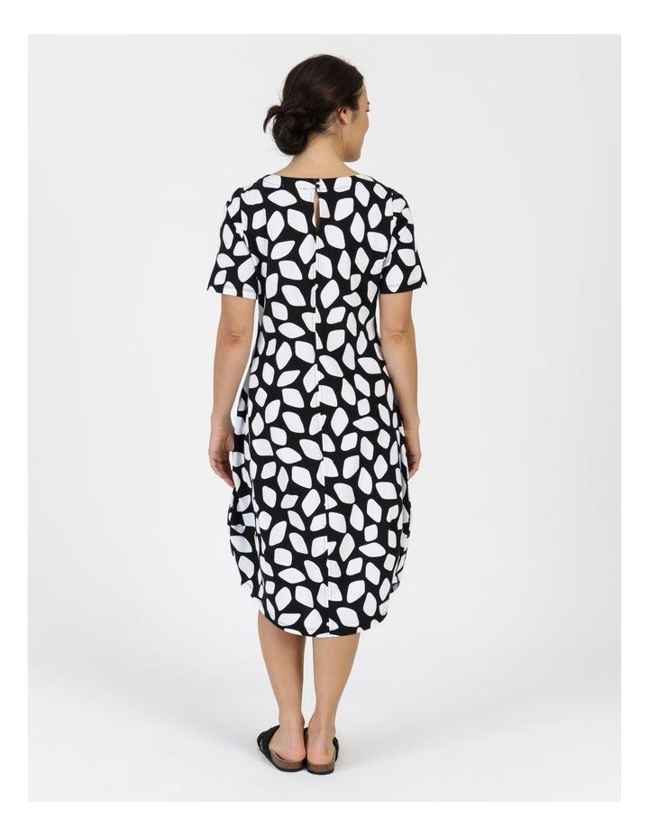 Short Sleeve  Curved Bodice And Dart Hem Dress Black & White Abstract image 6
