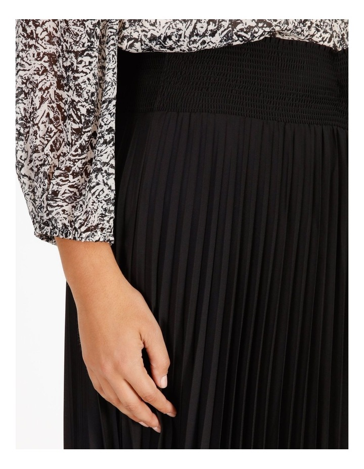 Pleated Skirt With Shirred Waist image 4