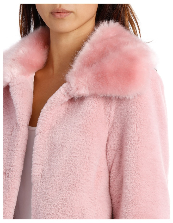 Jacket Fur With Heavy Collar image 4