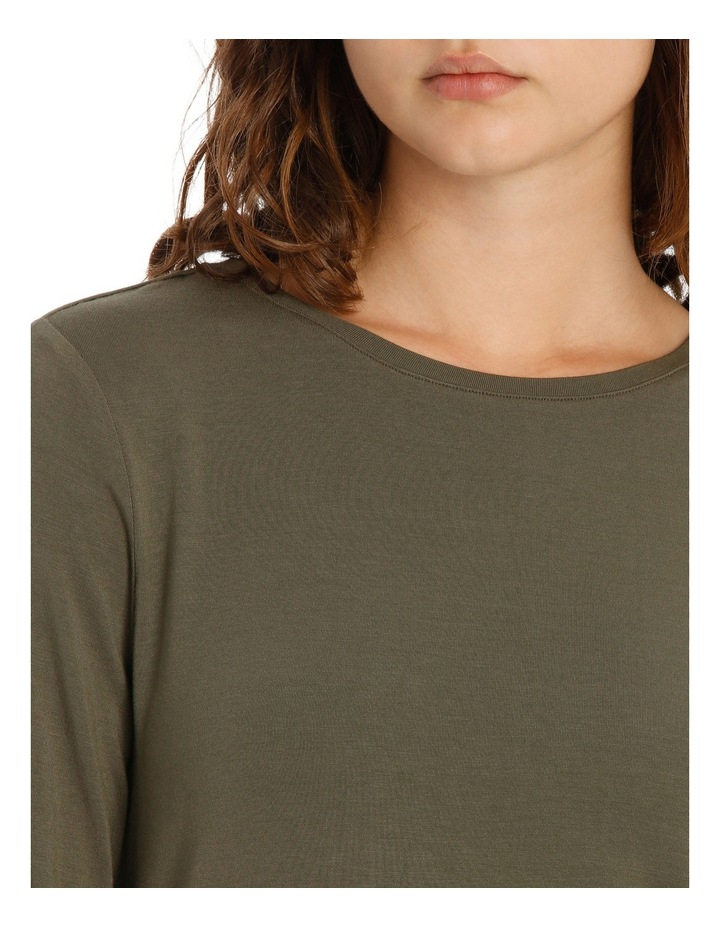 Tee with crewneck rounded hem detail fitted image 4