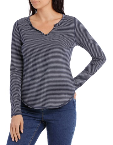 426db1a703 Grab Notch Neck Long Sleeve Curved Hem Tee