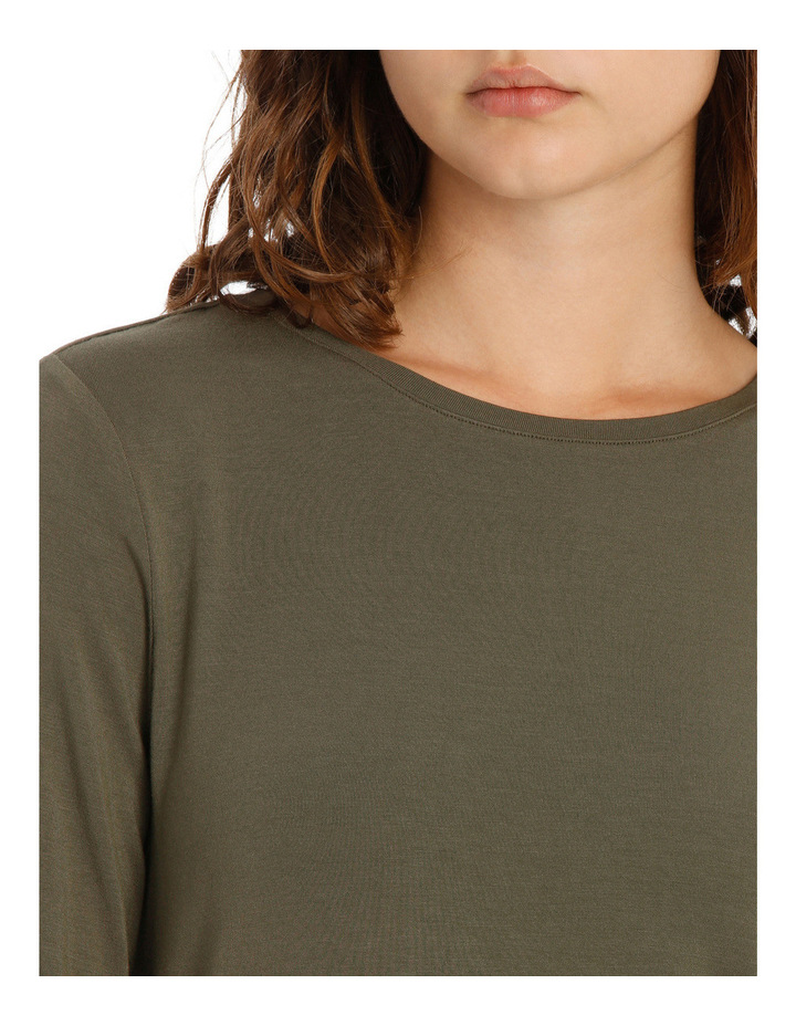 Tee With Crewneck Rounded Hem Detail Fitted PW18003/P image 4