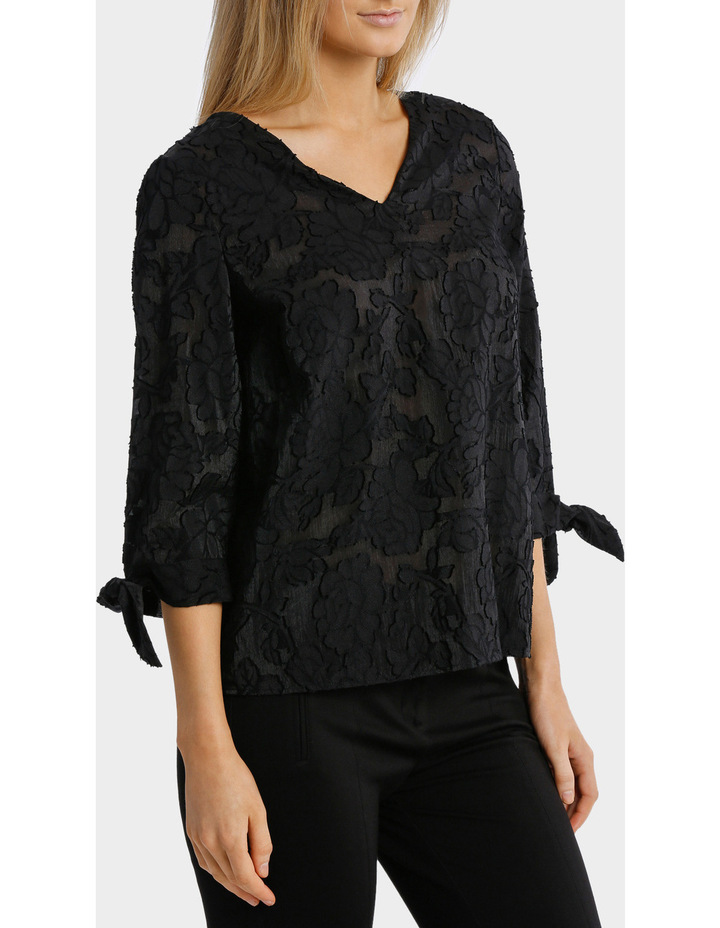 Textured Floral 3/4 Sleeve Top image 2