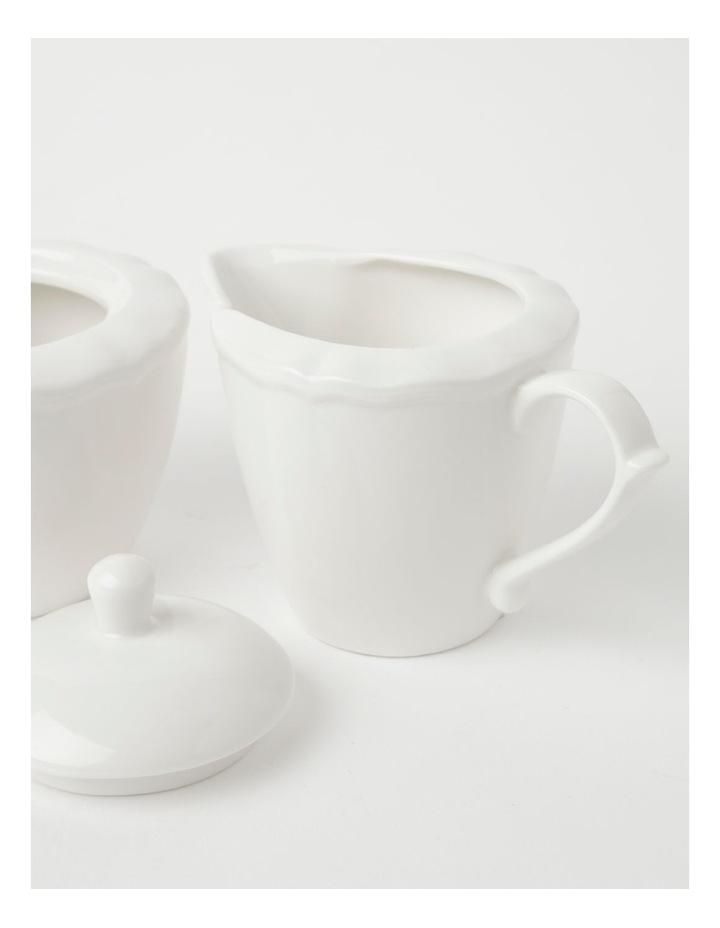 Heritage Scalloped Sugar Bowl & Creamer in White image 3