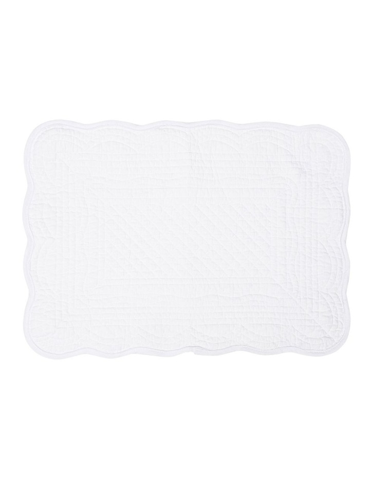 Quilted Scallop Edge Cotton Placemat - White image 1