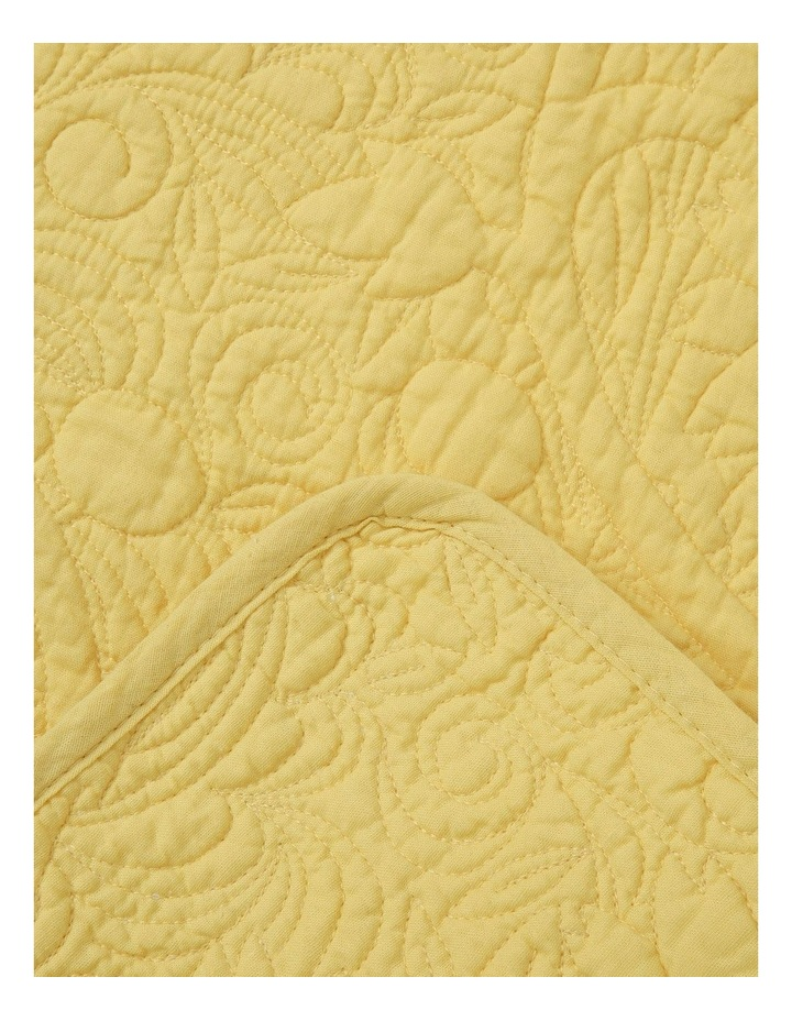 Quilted Floral Placemat Yellow image 2