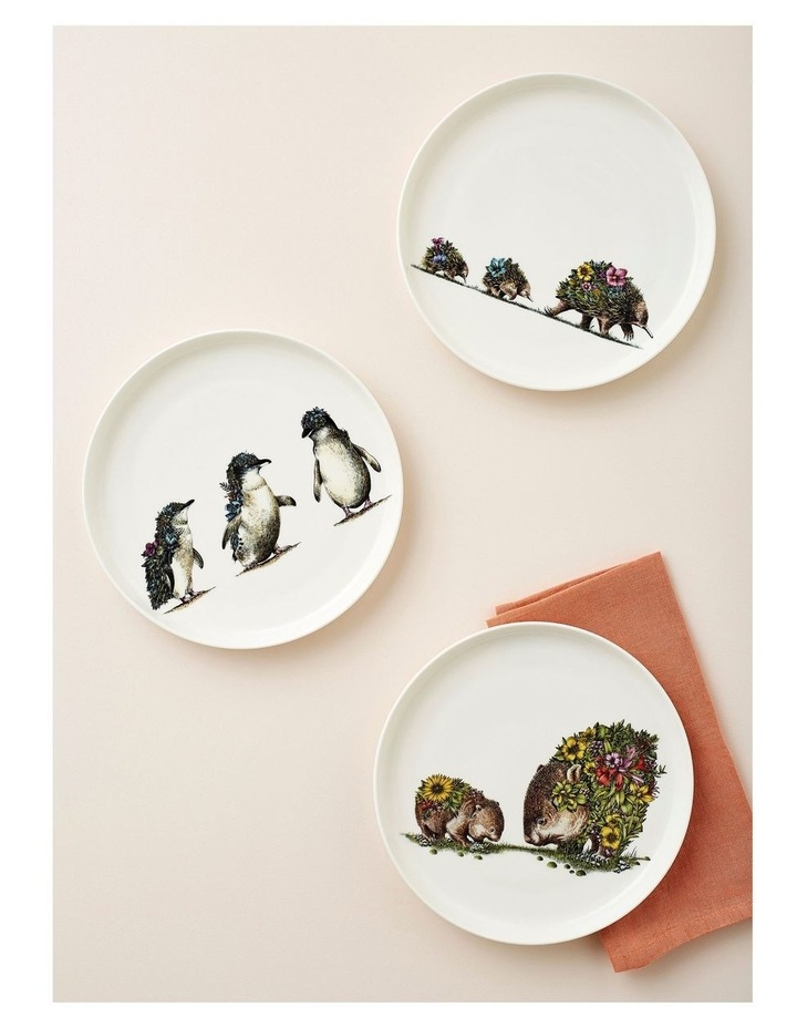 Marini Ferlazzo Australian Families Plate 20cm Penguin Parade Gift Boxed image 2