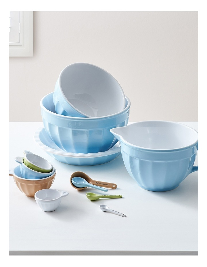 Heritage Ribbed Medium Mixing Bowl - Blue image 4