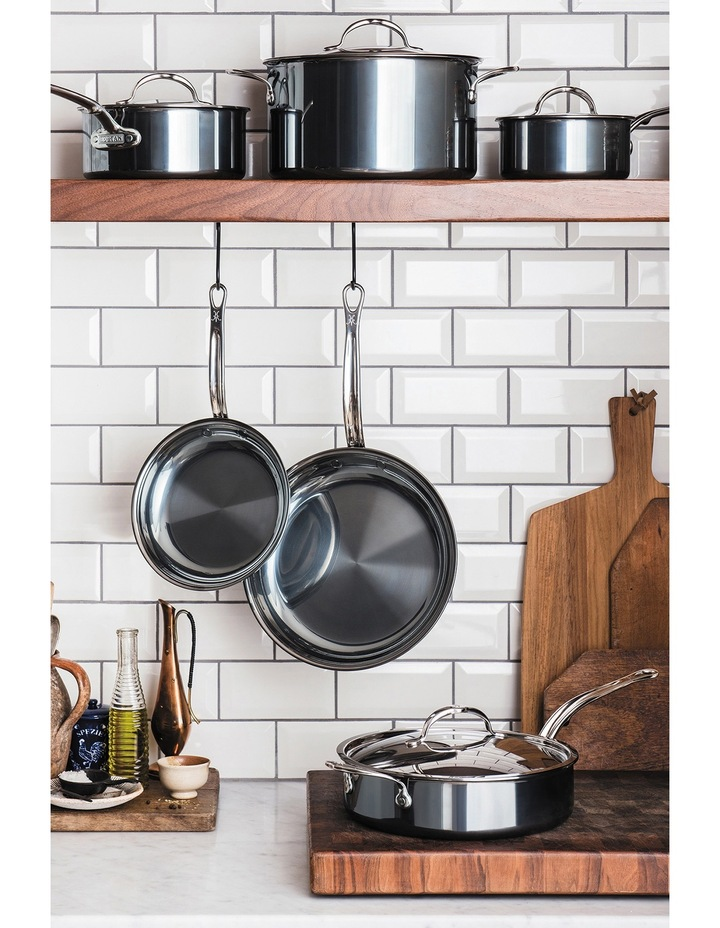 Nanobond Covered Saute Pan with Helper Handle, 30cm/4.7L: Made in Italy image 3