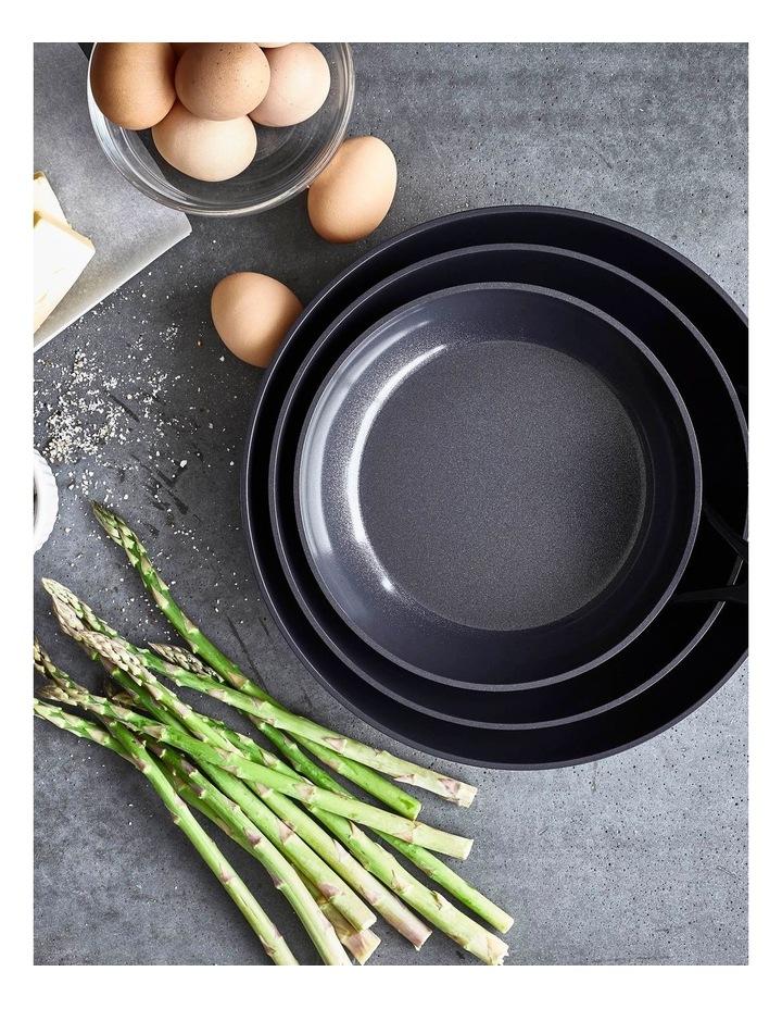 SmartShape 24cm Frypan in Black image 5