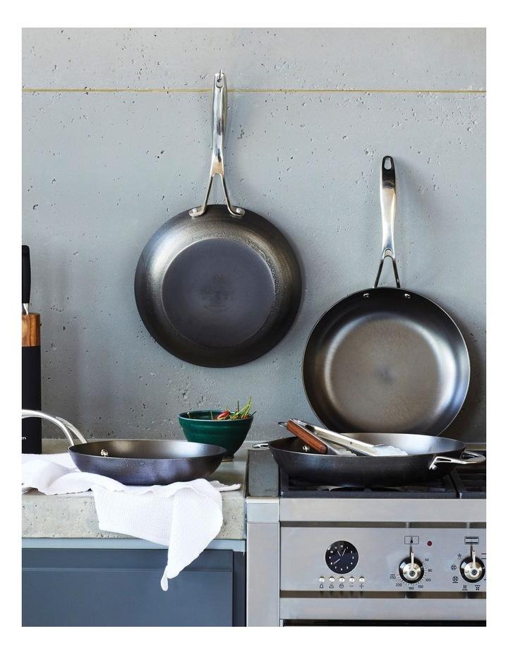 Lightweight Cast Iron Cook's Pan 30cm image 5