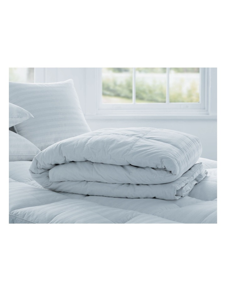 Deluxe 50/50 Goose Feather & Down Quilt image 4