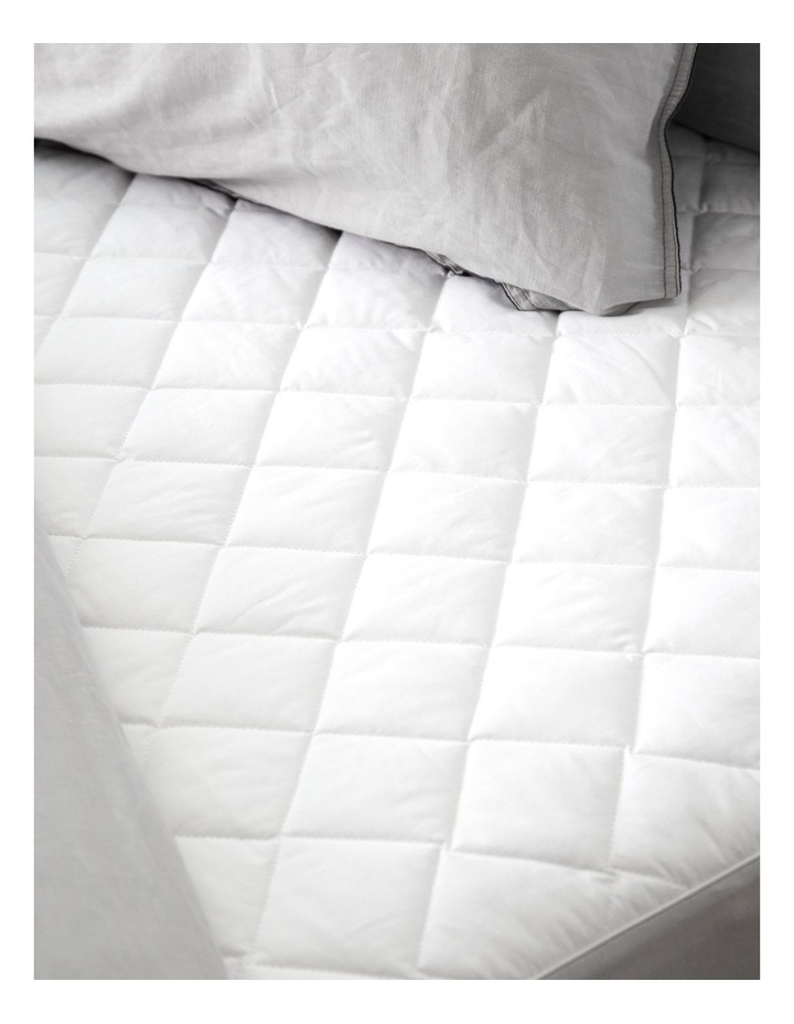 Cool Dry Comfort Mattress protector image 2