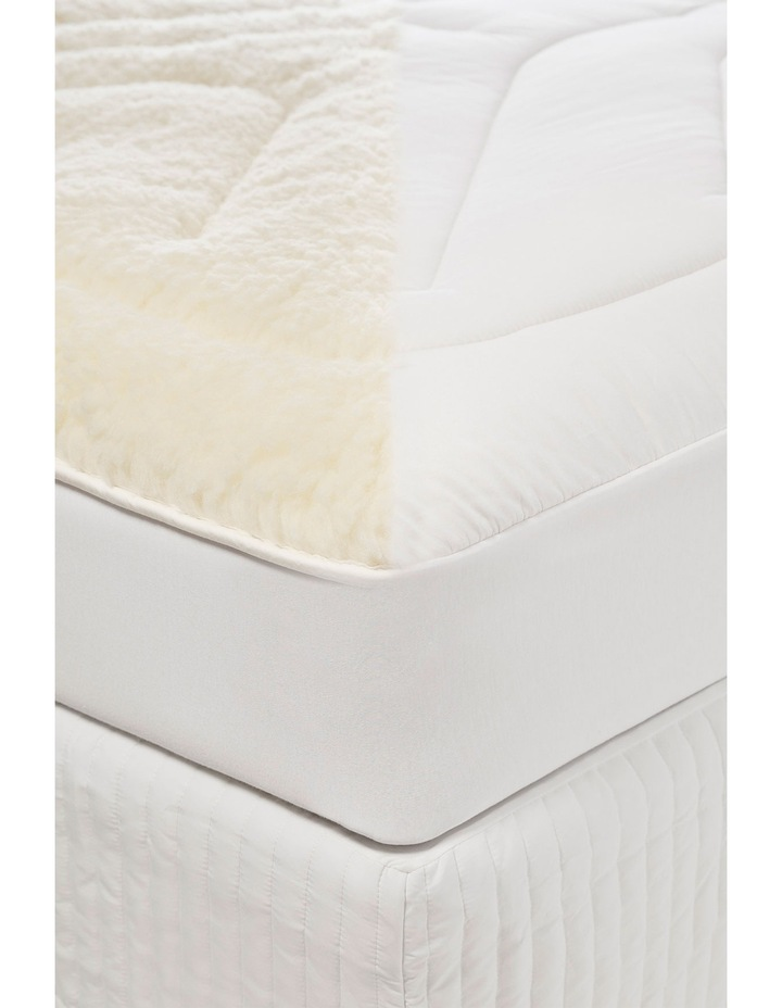 Deluxe Mattress Topper image 2