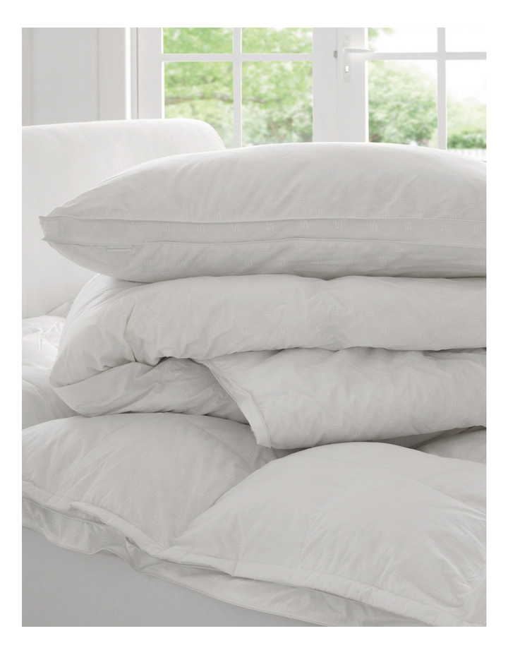 Deluxe Dream Polyester Pillow: Medium & Firm image 4