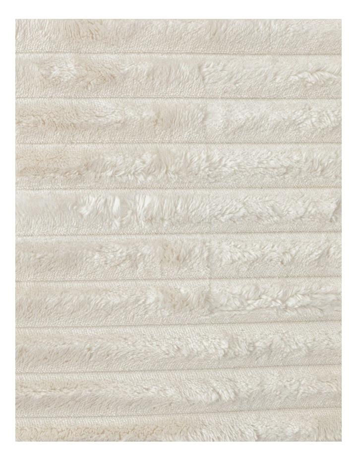 Chunky Rib Mink Blanket in Cream image 4