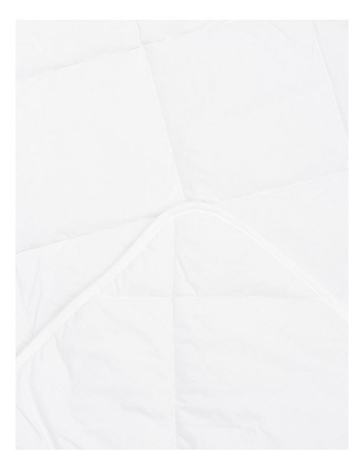 All Seasons Allergy Sensitive Washable Quilt:SB image 3
