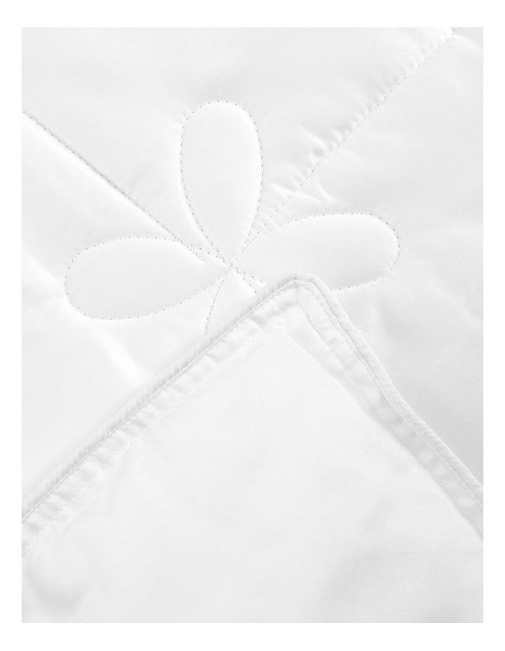 Heritage Sumptuous Silk Quilt image 3