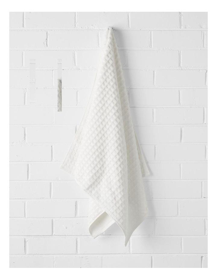 Waffle Bath Towel Set - White image 3