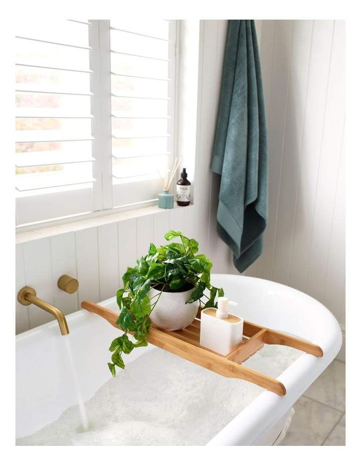 Windsor Bathroom Accessories in White image 2