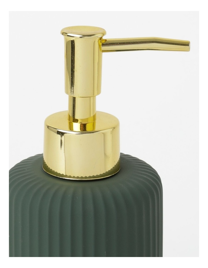 Ribbed Ivy Green Bathroom Accessories Range in Green image 3
