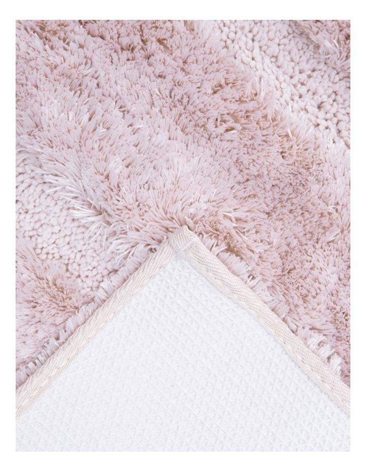 Disegno Tufted Bath Mat: Peach image 2
