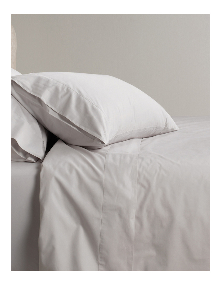 300TC Classic Percale Sheet Set in Dove image 1