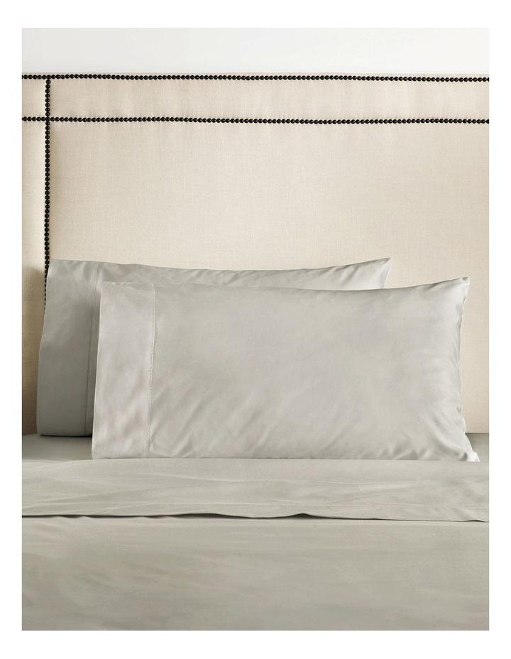 Hotel-Weight Luxury 1000TC Sheet Set in Wicker image 2