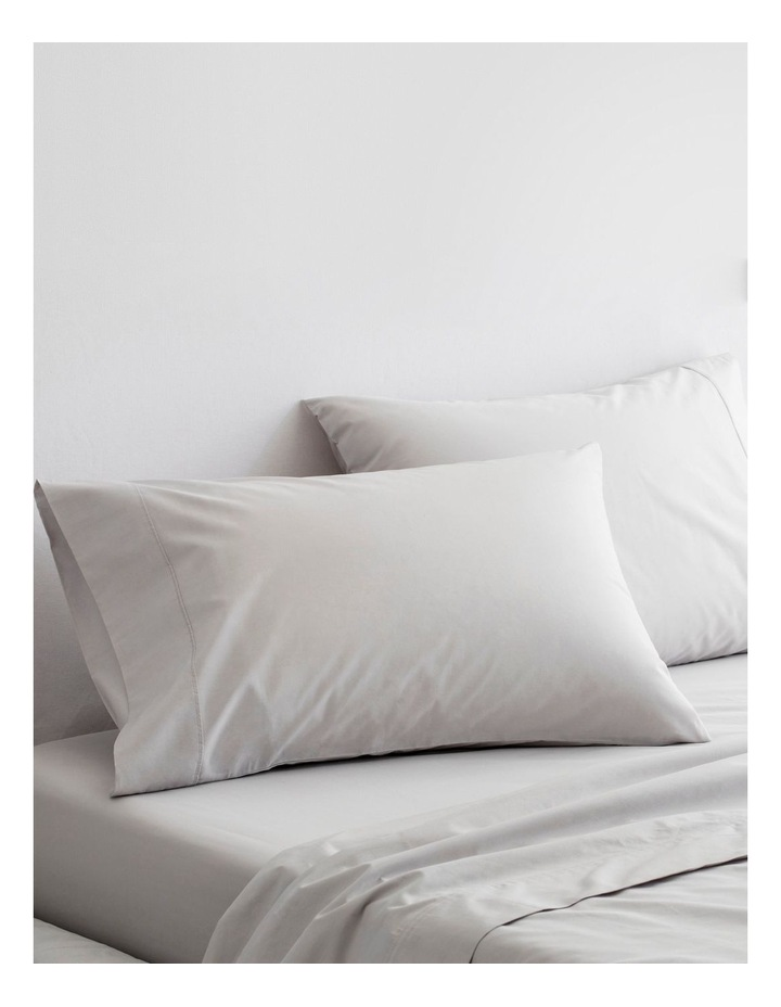 300TC Organic Percale Sheet Set in Dove image 3
