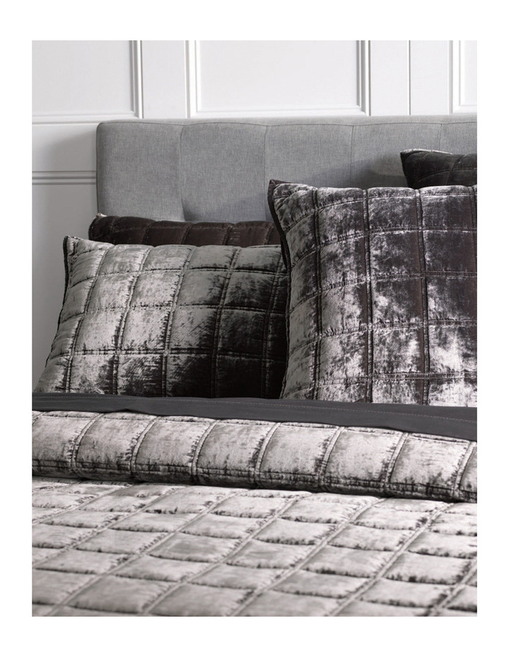 Canfield Bed Cover image 2